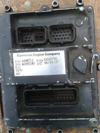 Блок управления двигателем мозги камминз 4898112. Стоял на хагер 6118